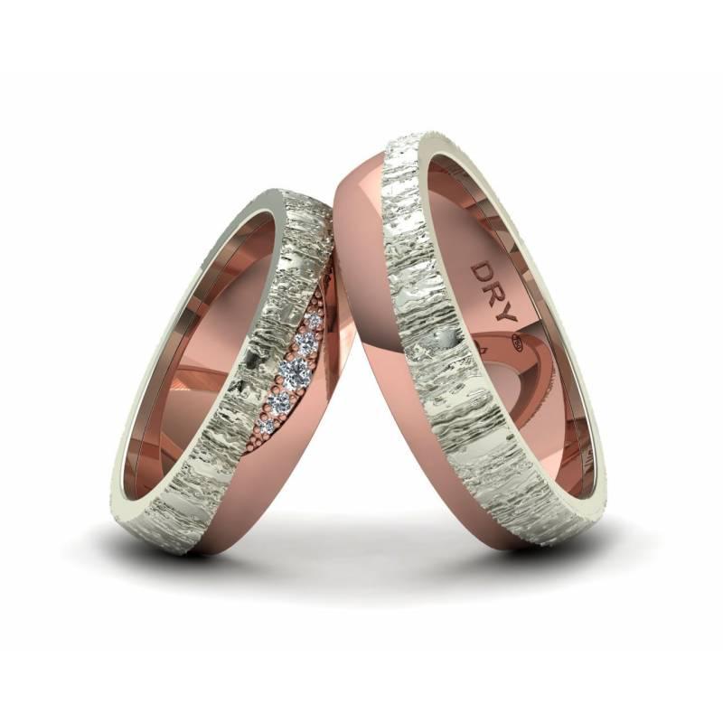 Alianzas originales con textura en oro blanco y rosa con diamantes