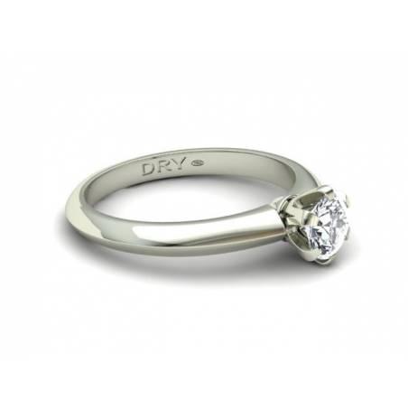 Anillo con Diamante de Medio Quilate
