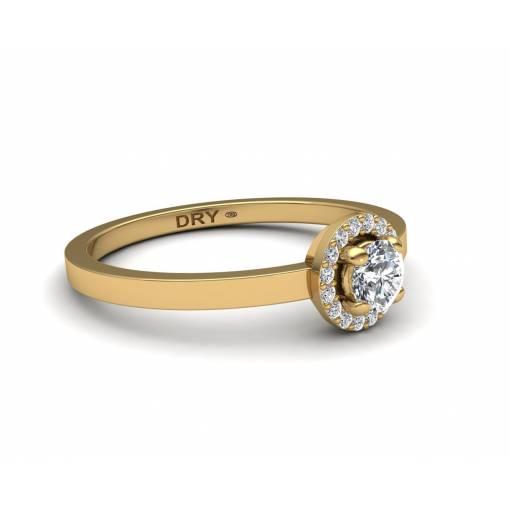 Sortija con forma de rosetón diamantes blancos en oro amarillo de 18k