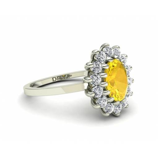 Anillo diseño clásico rosetón con citrino y brillantes en oro blanco de 18k
