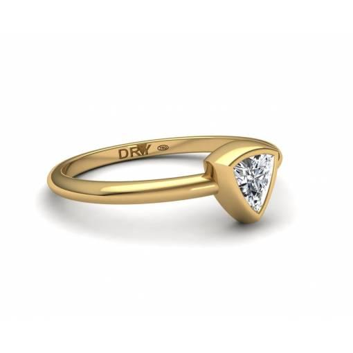 Anillo Diamante Triangular en oro amarillo 18k