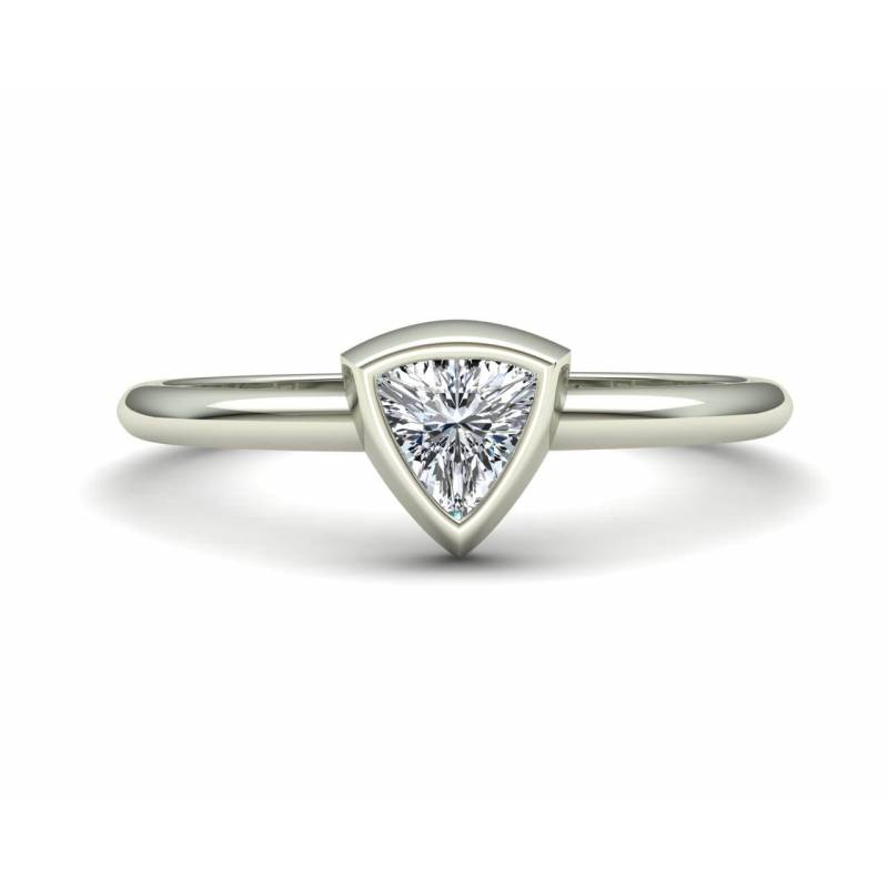 Anillo Diamante Triangular en oro blanco 18k