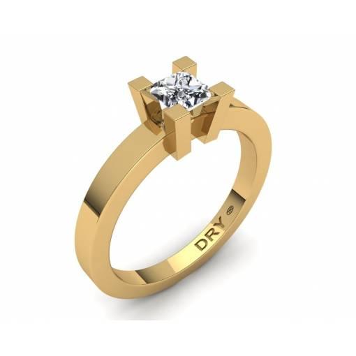 Anillo de compromiso con diamante cuadrado en oro amarillo de 18k