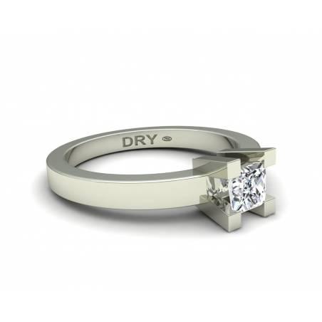 18k White gold princess-cut diamond ring