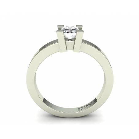 18k white gold 0.40cts princess-cut diamond ring