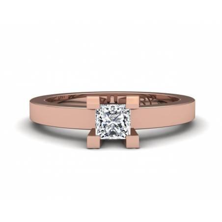 18k Gold princess-cut diamond ring