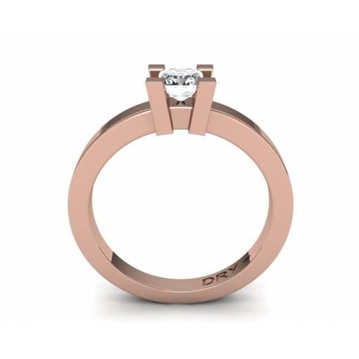 Anillo de compromiso con diamante princesa de 0.40 quilates en oro rosa de 18k