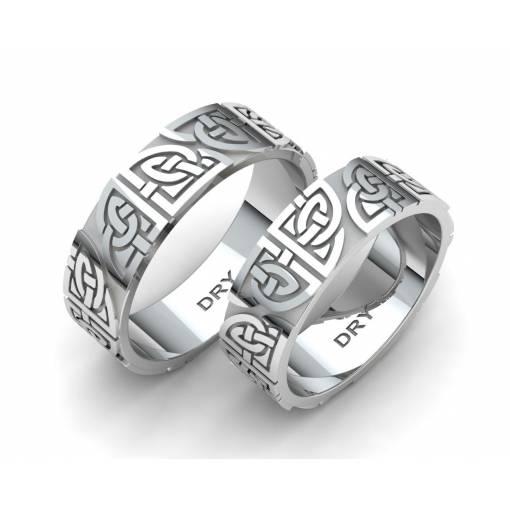 Anillos celtas en plata con nudos compartidos