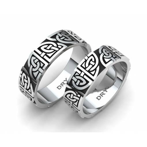 Anillos celtas en plata envejecida con nudos compartidos