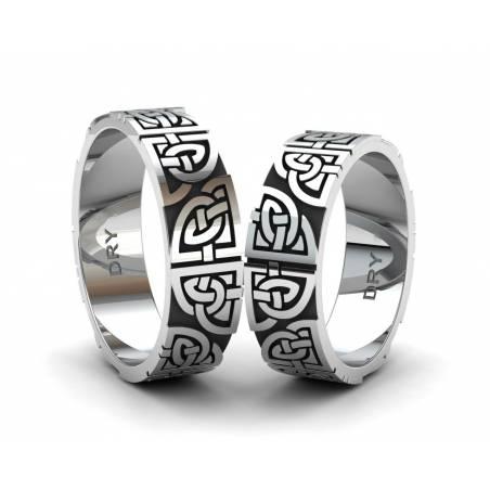 Alianzas de pareja en plata envejecida con nudos celtas compartidos