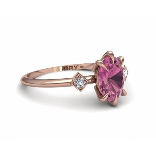 Tourmaline and Diamonds 18k gold ring