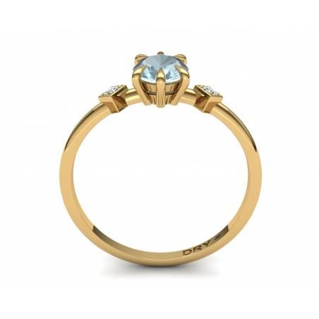 Anillo con Aguamarina y Diamantes en Oro Amarillo