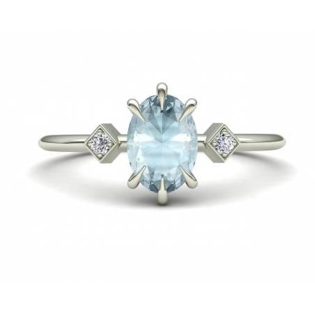 Anillo con Aguamarina y Diamantes en Oro Blanco